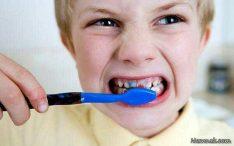 حساسیت دندان ها به علت روش غلط مسواک زدن