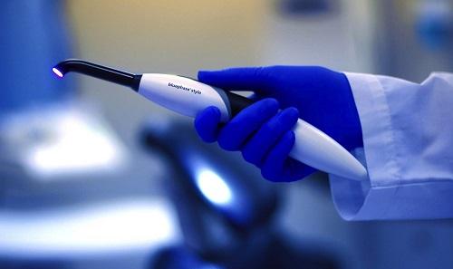 ماهیت نور آبی در دندانپزشکی چیست؟